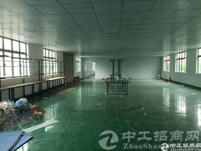 厚街镇河田村新有大型工业区楼上2600平整层厂房出租