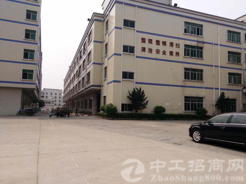 厚街镇汀山村新出原房东带红本厂房二楼900平米带精装出租