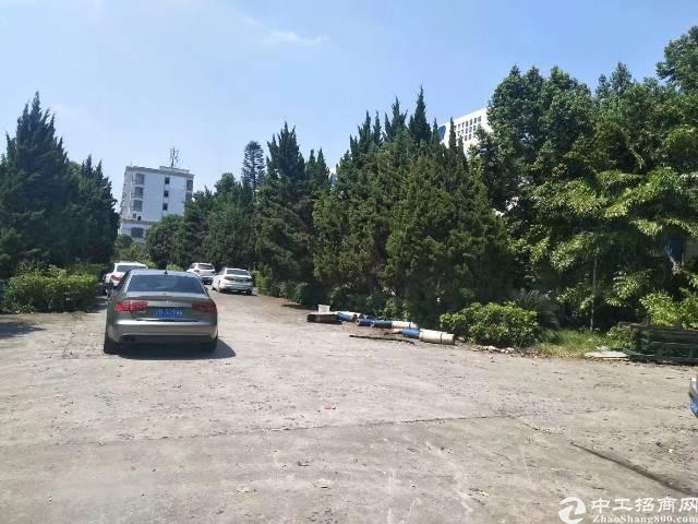横岗地铁站附近新出独院二楼1000平厂房出租