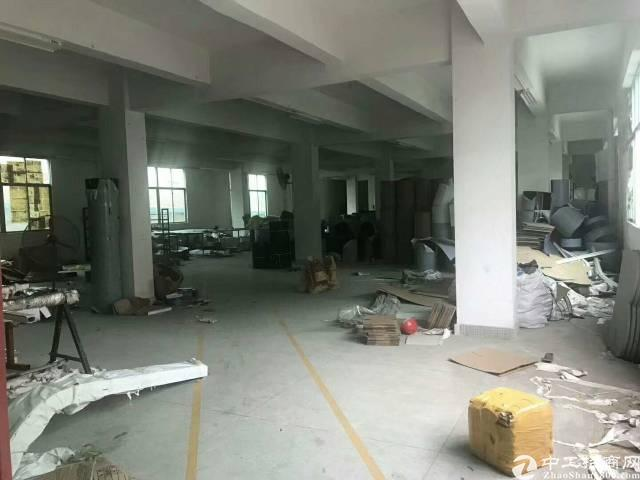 布吉第二工业区新出楼上300平二小