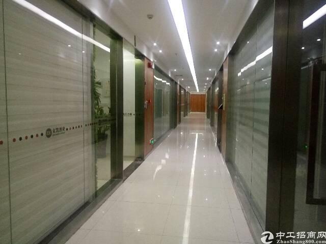 平湖红本厂房14500平米出租,每层2900平米!
