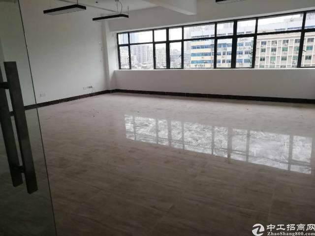 西乡地铁口商业综合楼113平精装写字楼火热招租图片2