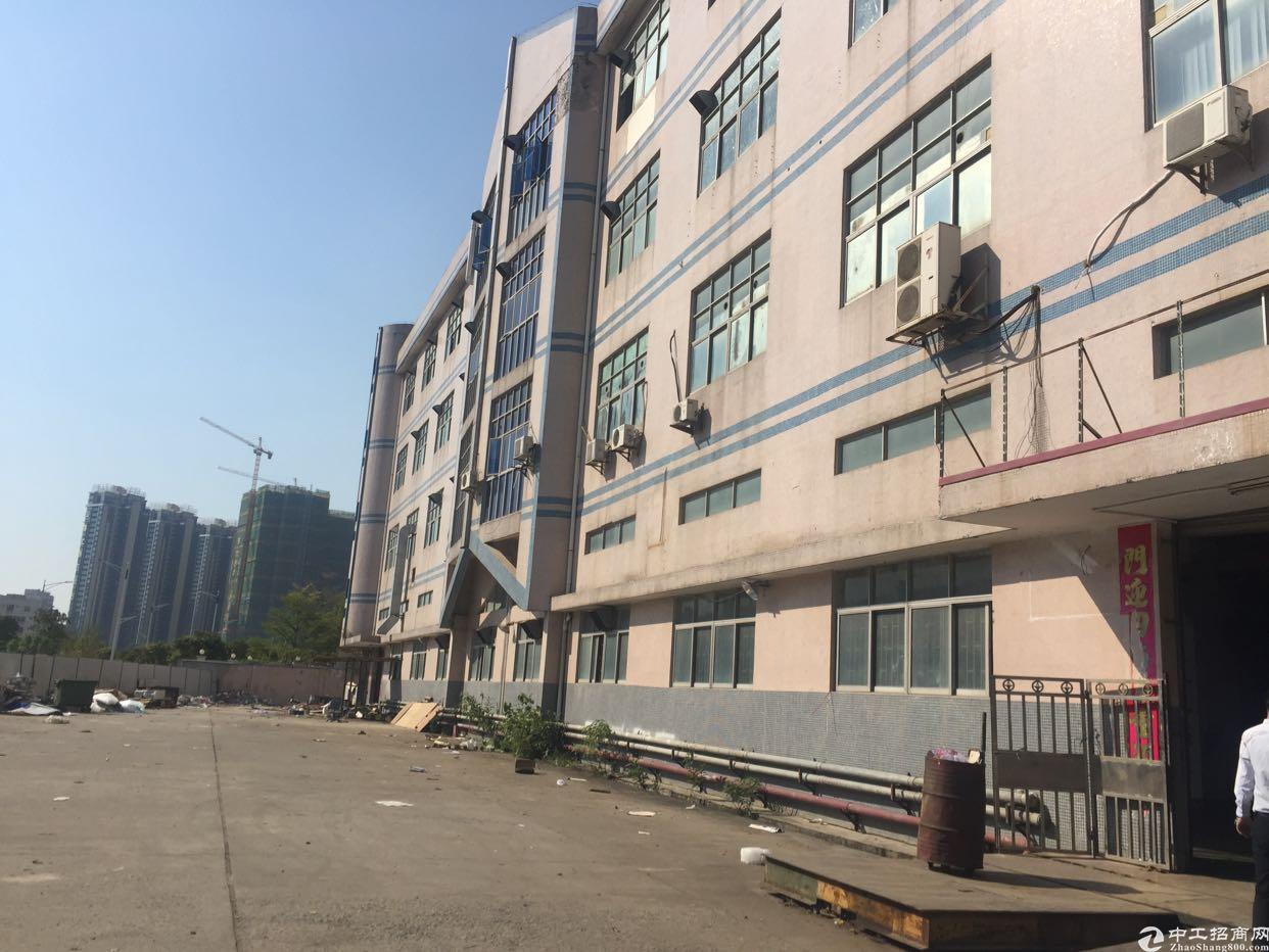 西乡新出一二楼厂房5600平米出租