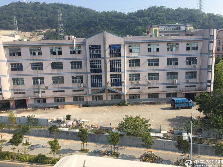 西乡银田工业区独门独院标准厂房2600一层