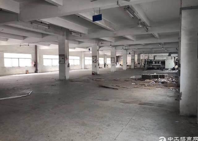 龙岗中心城附近标准厂房一楼1500平出租