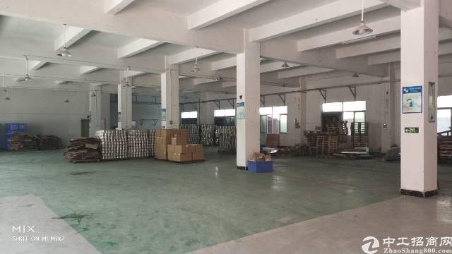 龙岗嶂背标准厂房一楼1450平出租-图3