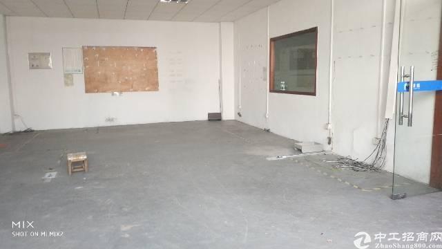龙岗中心城附近南联标准厂房一楼700平出租-图5