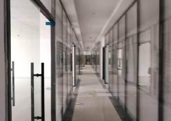 布吉百鸽笼地铁站附近新出800平带装修电商办公室出租图片1