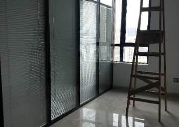横岗红本写字楼招租形象好交通便利图片2