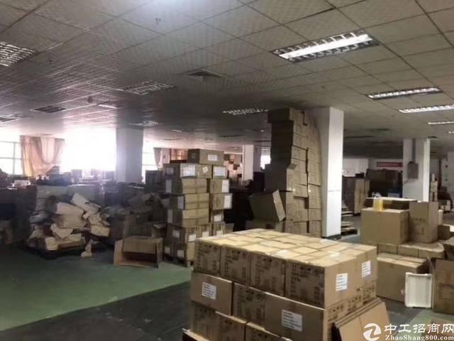 平湖辅城坳新出二楼800平方厂房招租