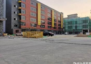 深圳北站附近翻新精装修隔间200到1800平方出租图片1