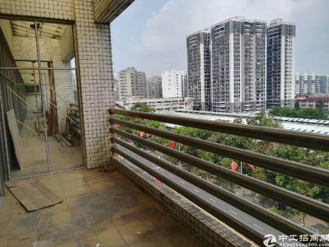 清湖地铁口租写字楼送阳台图片2