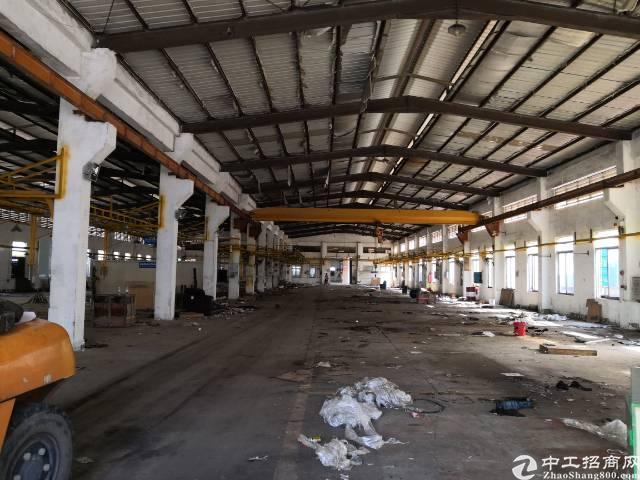 清溪三中独院厂房总面积13000平方带行车出租