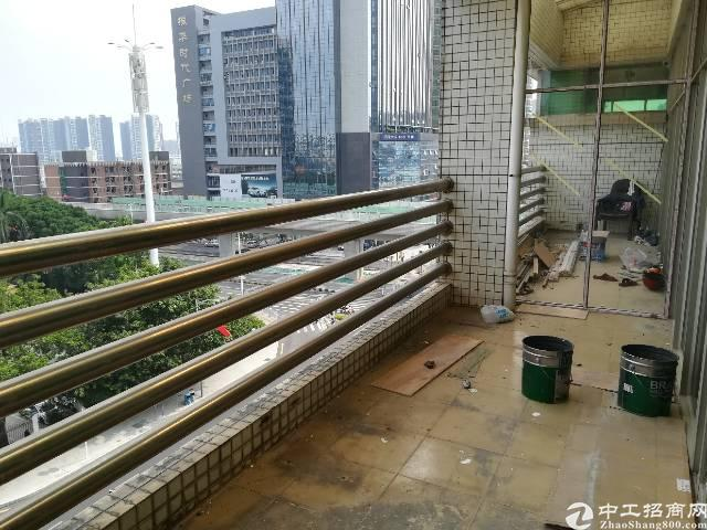 清湖地铁口租写字楼送阳台图片4