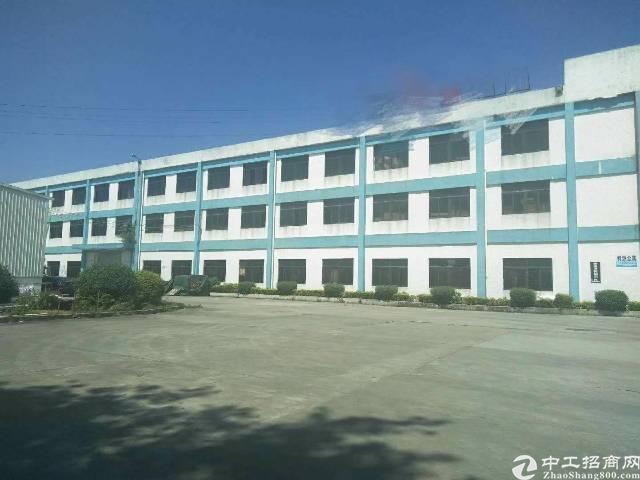 清溪镇中心区新出二楼花园式厂房3300平米出租