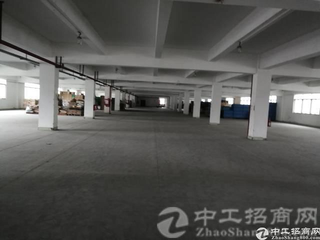 厚街镇涌口工业园现有楼上厂房2700平,可拆分可做生产或仓库