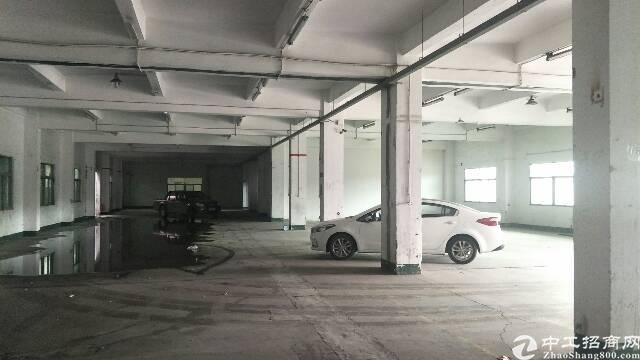 清溪近深圳1600平方带航车厂房出租