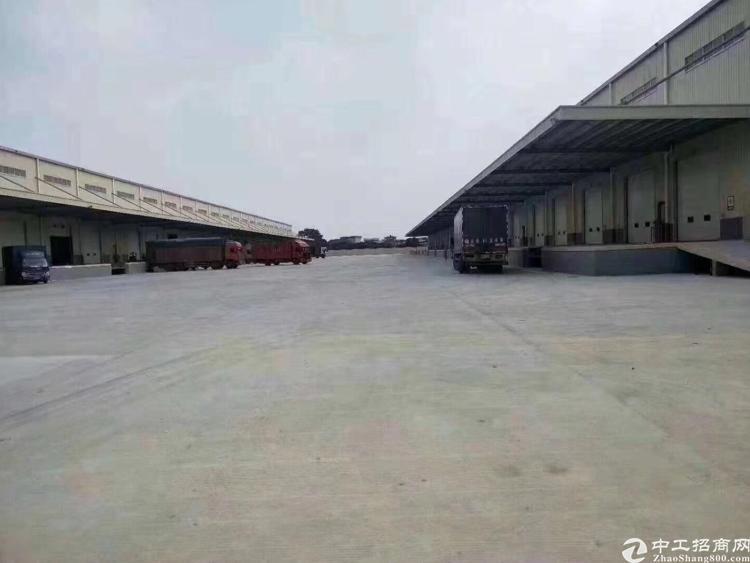 广州增城新出30000平高台物流仓库,12米高,就在高速出口