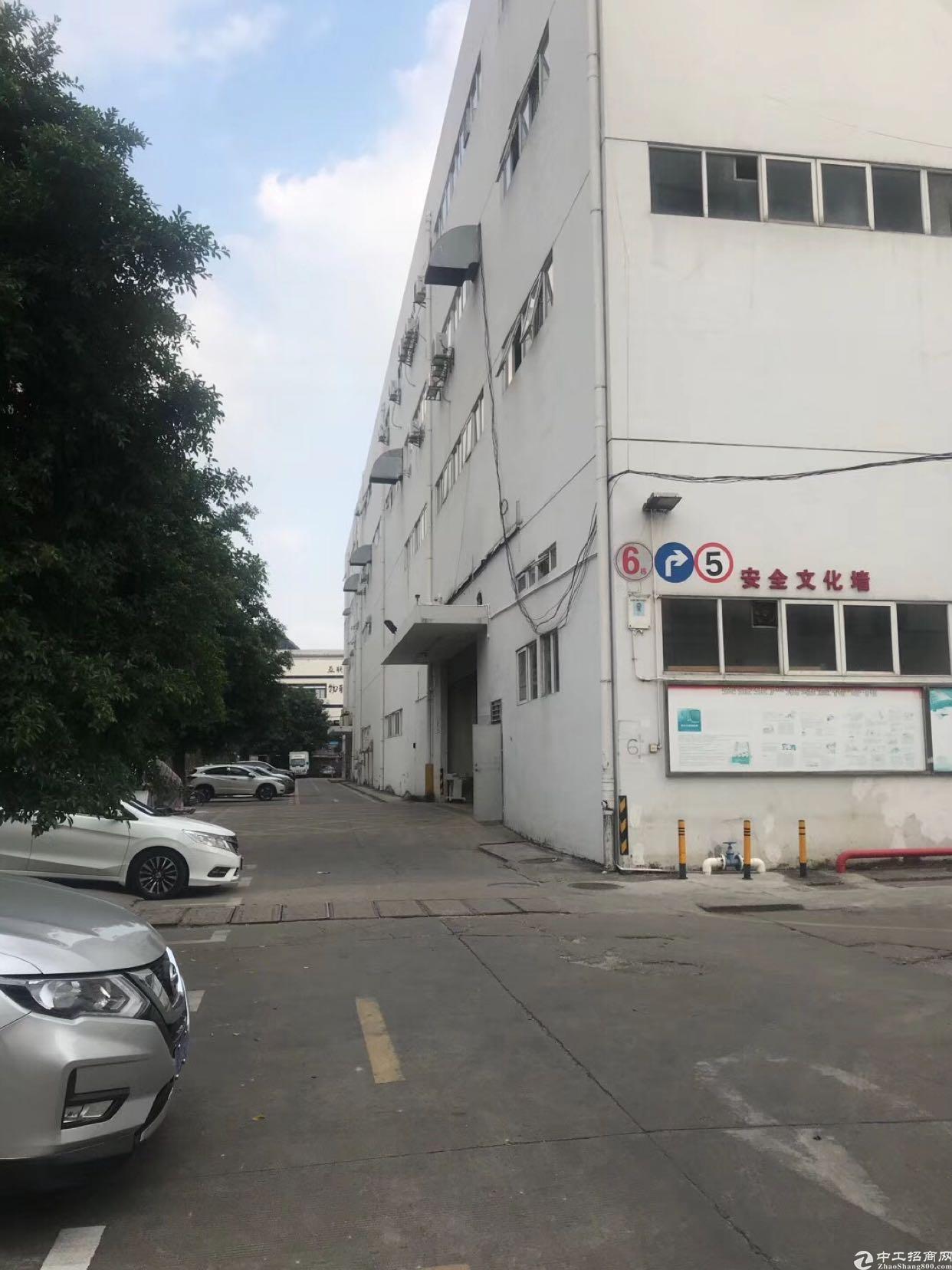 民治地铁口仓库招租2楼1100平3楼800平实际面积可实量