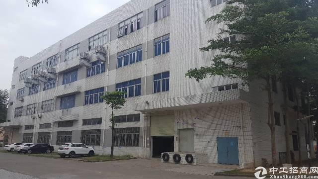 平湖辅城坳工业区新出一二楼2000平方原房东厂房招租