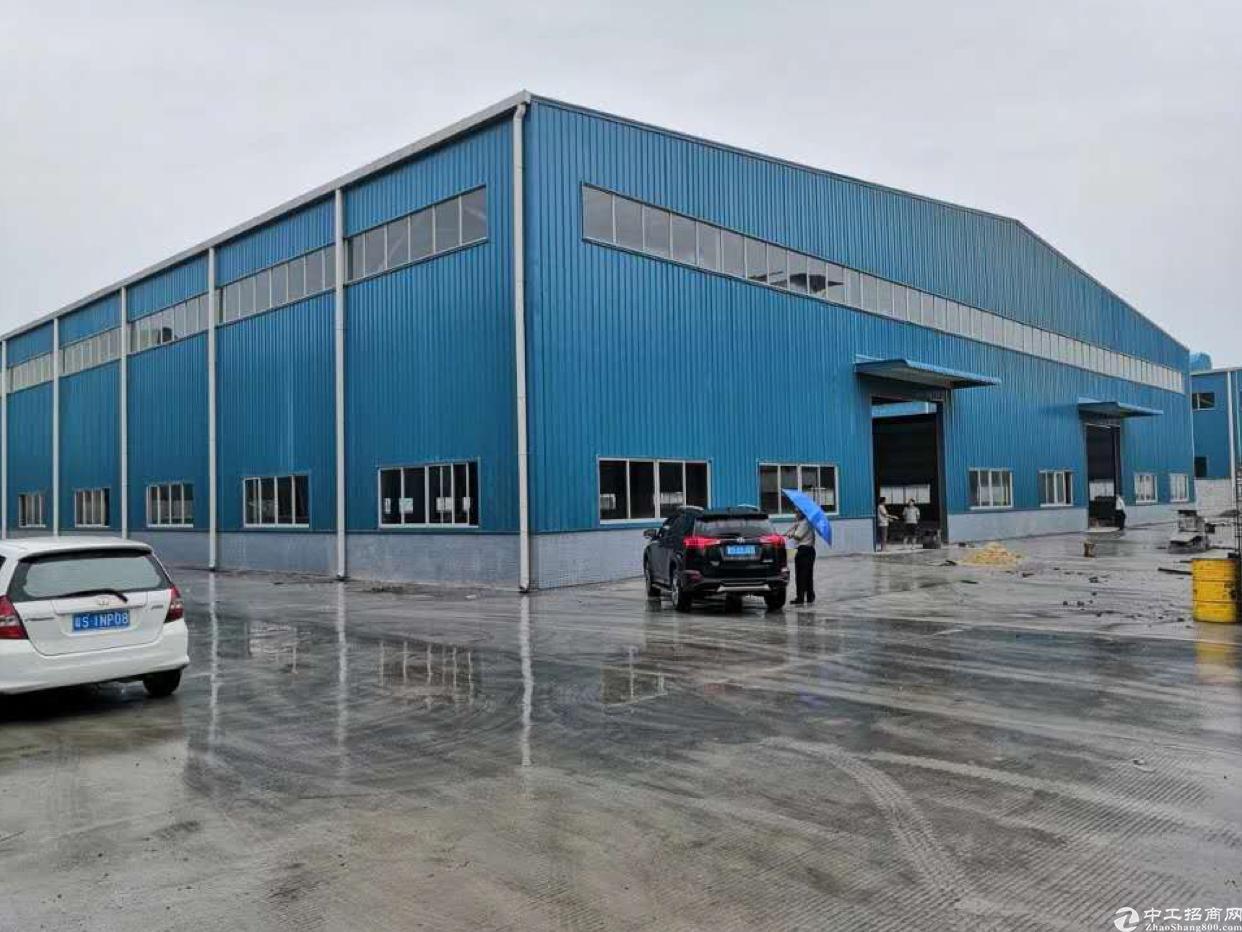 《黄草朗新出8000平米钢构厂房滴水10米电800千瓦