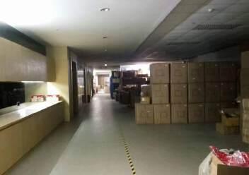 平湖大望工业区带精装办公室厂房楼上2000平方急租图片5