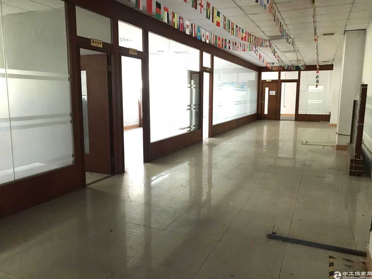 福永镇塘尾楼上带装修整层1200平厂房招租