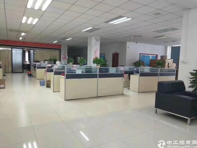 平湖大望工业区带精装办公室厂房楼上2000平方急租-图2
