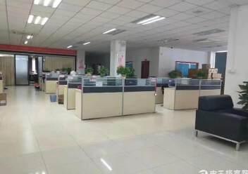 平湖大望工业区带精装办公室厂房楼上2000平方急租图片2