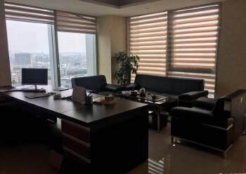 大浪商业中心附近甲级写字楼新出280平带豪装办公场地。图片4