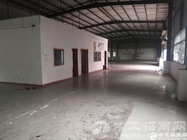 厚街镇涌口独院单一层带卸货平台厂房1000方,内配3间办公室