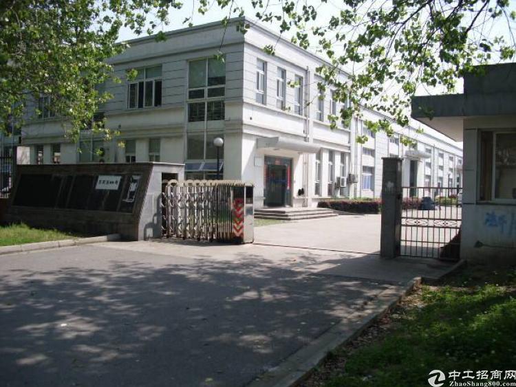 精致小独院厂房靠近马路边上交通便利出售