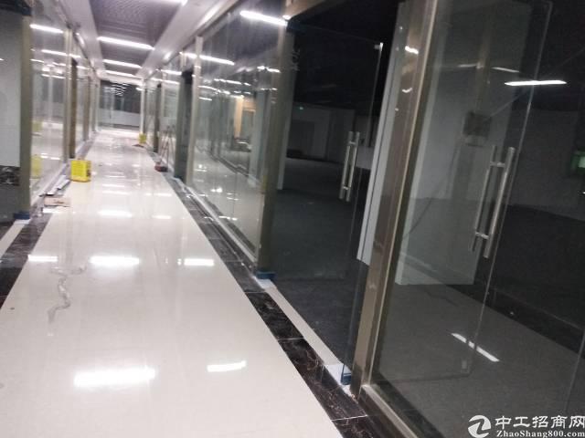 龙华清湖地铁站附近新出厂房300平办公厂房