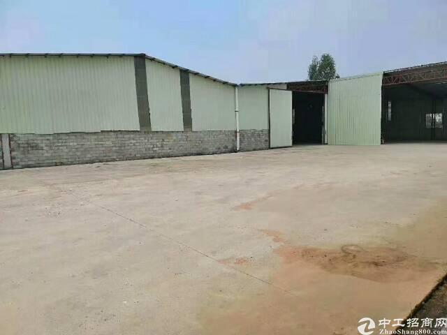 东莞市中部3000平米铁皮房出售