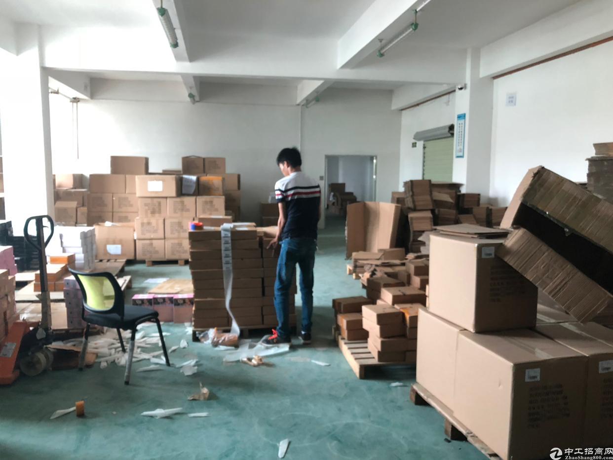 厂房楼上3楼500平米租金16元带地坪漆装修可分租