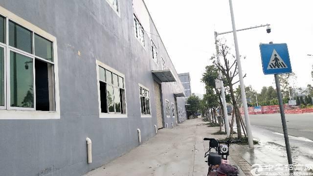 东莞大朗松木山单一层砖墙到顶滴水8米