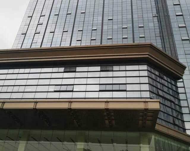 观澜大和新出楼上精装修办公室190平方图片1