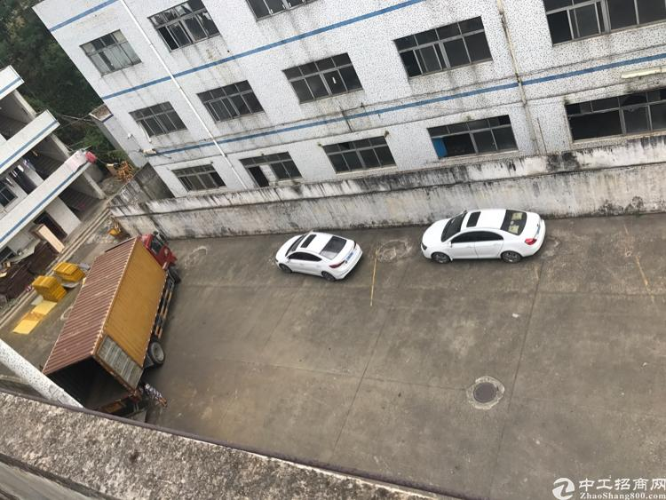 平湖富民工业区一楼厂房出租带装修办公室