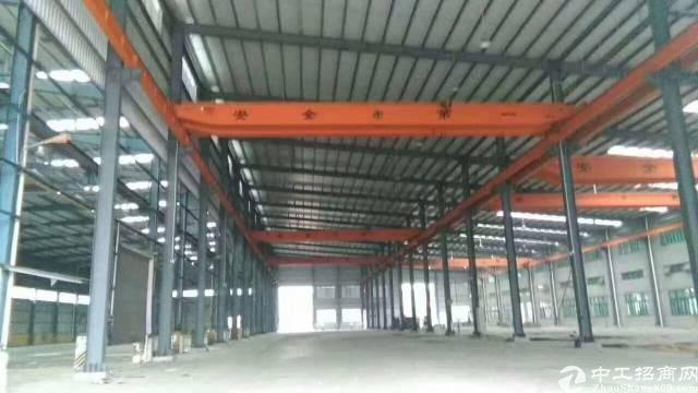 石湾重工业首选,跨度25米,带现成航车,滴水十米钢构厂房