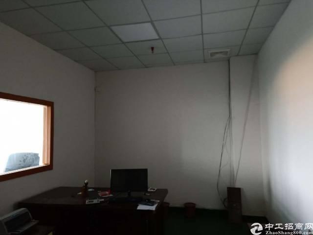 公明南光高速出口新出4楼厂房565平方厂房租金18元