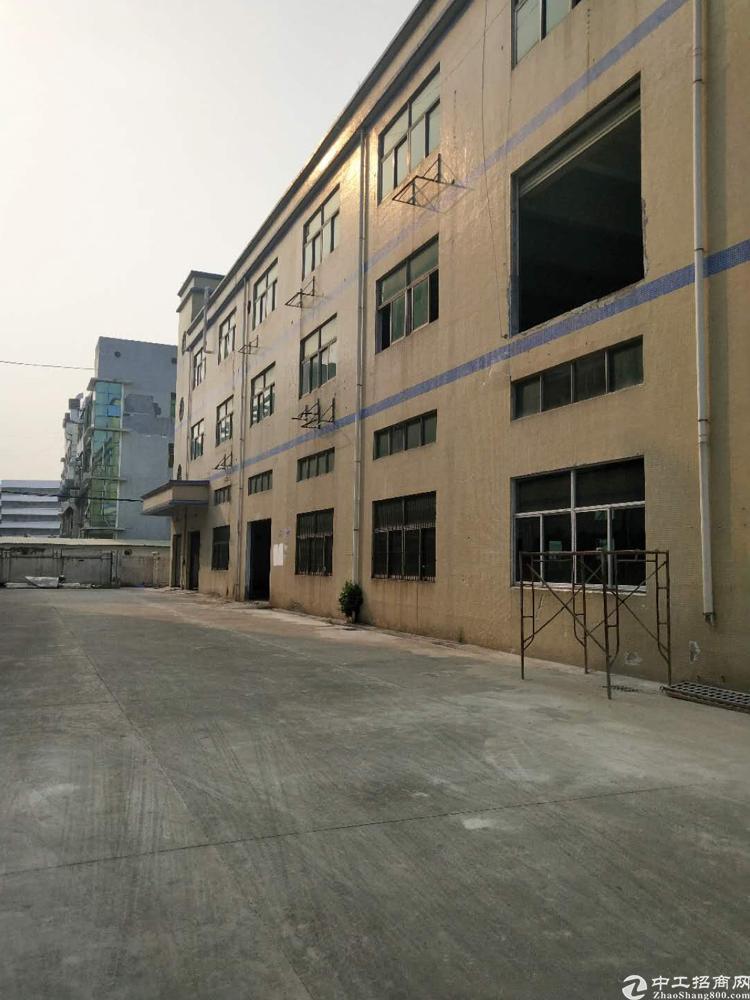福永塘尾地铁口重工业厂房700平米招租、