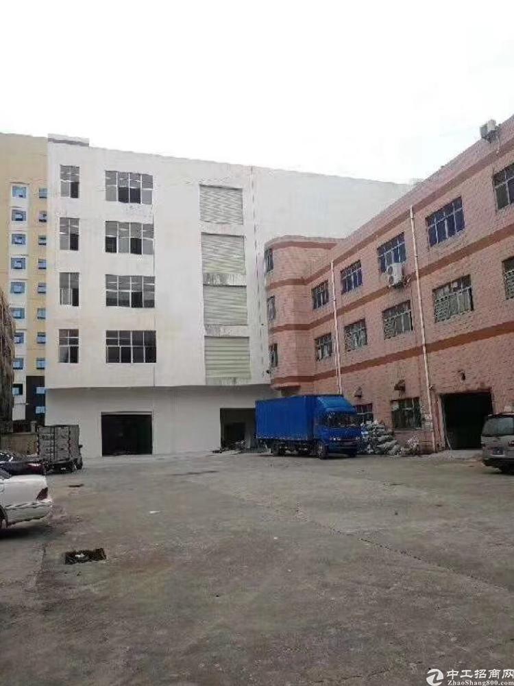 凤岗五联新建厂房,单层面积2600平方,可分租