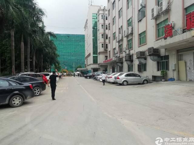 福永和平高新建工业园一楼整层2400平方厂房招租