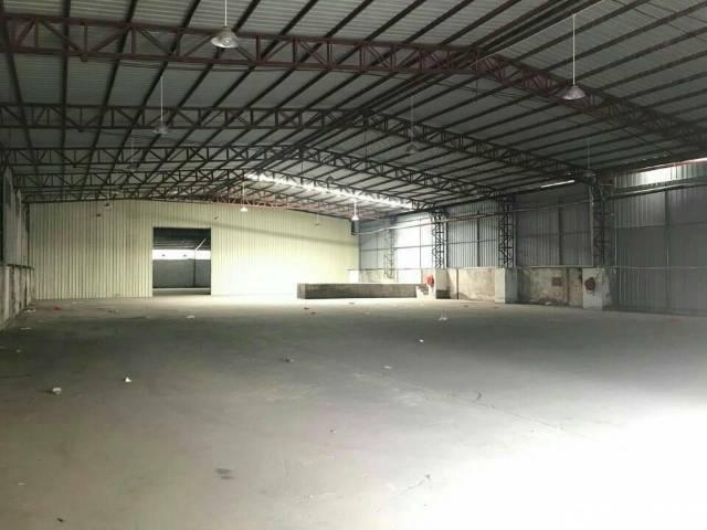 东莞独门独院。单一层铁皮房 厂房面积2100加空地2000