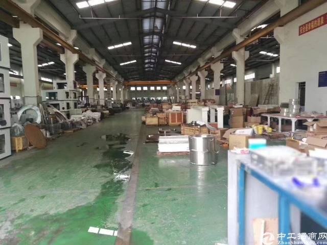 大岭山成熟工业园新空出8米滴水带行车单一层厂房出租