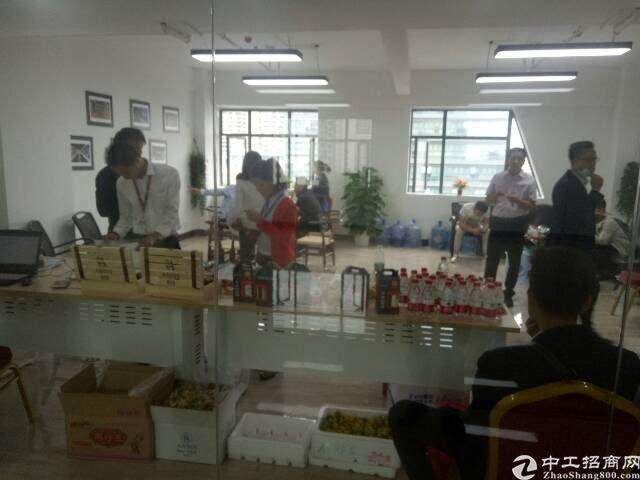 福永桥头地铁口精装高使用率.低价出租129平方图片2