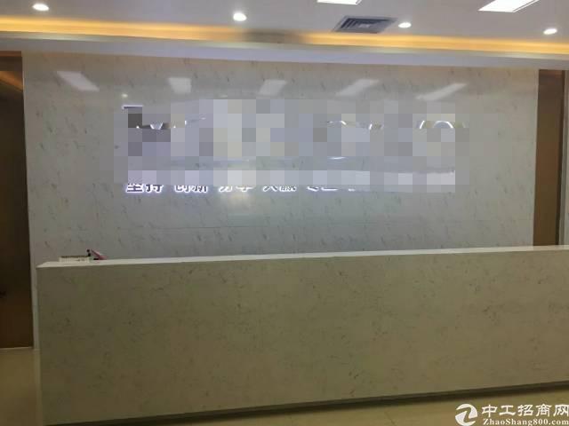 出租深圳北甲级写字楼298平4+1格局