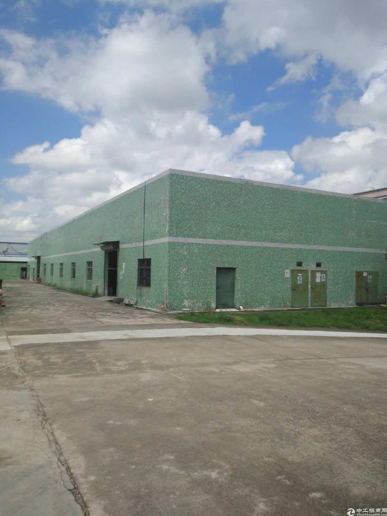 坪地新出独院钢构厂房位于龙岗大道边上2000平方