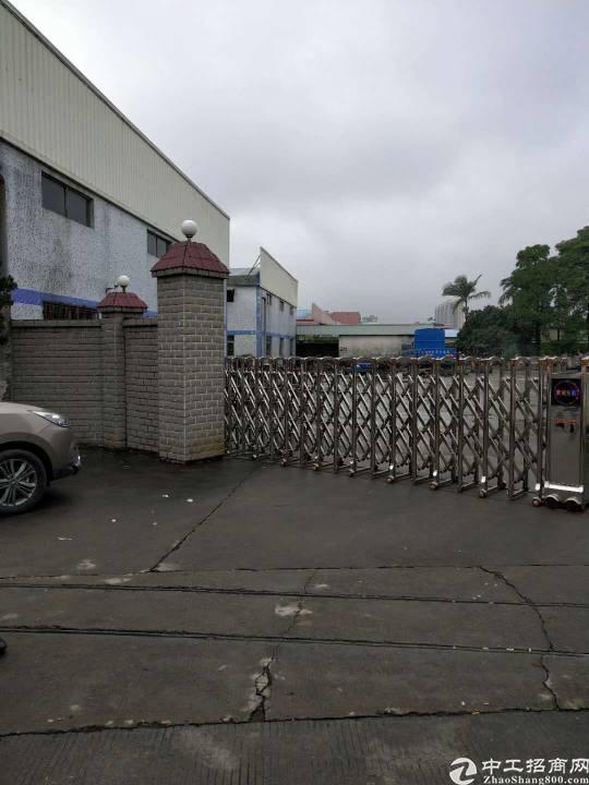 大岭山镇新空出重工业标准厂房3楼2000平方