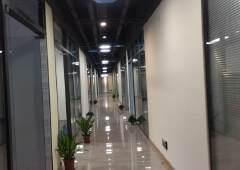 清湖地铁站附近带装修写字楼出租200平起分